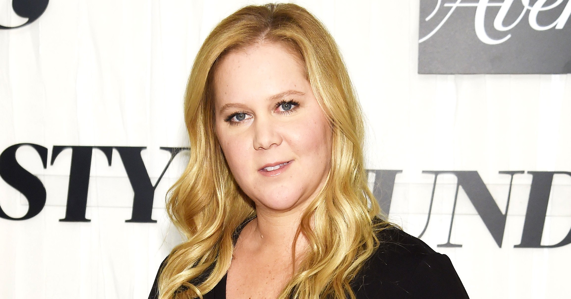 Pregnant Amy Schumer Jokes She 'Couldn't Have Worn a Worse Bra' for Red Carpet Maternity Look