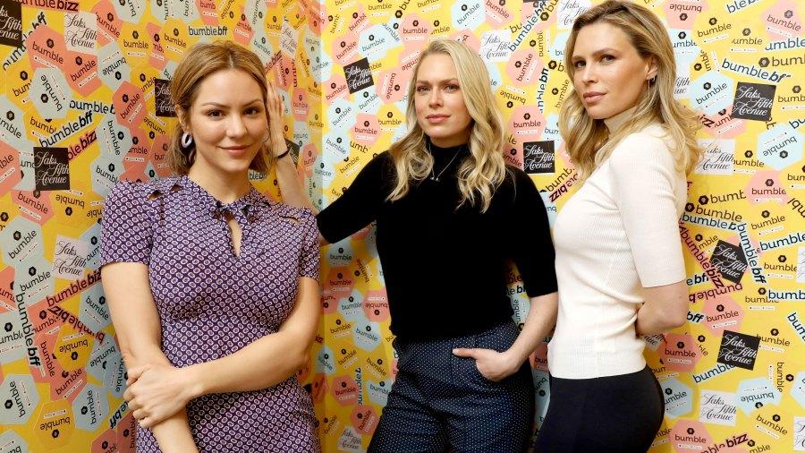 Erin and Sara Foster Talk Katharine McPhee's Confidence-1