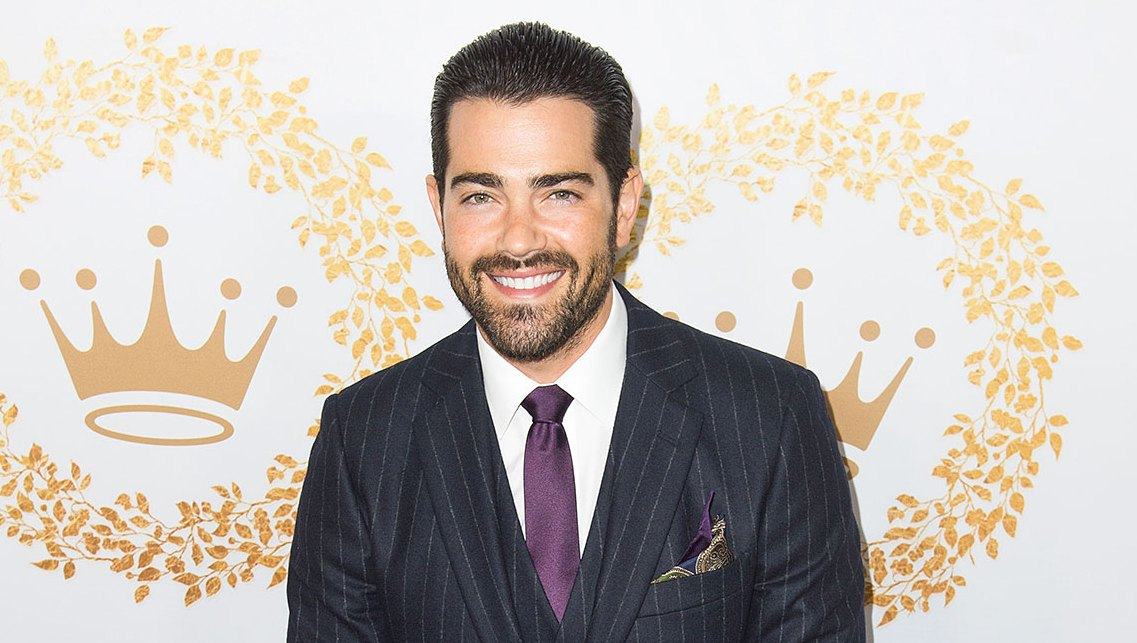 Jesse-Metcalf-Would-100-Percent-Do-a-Desperate-Housewives-Revival