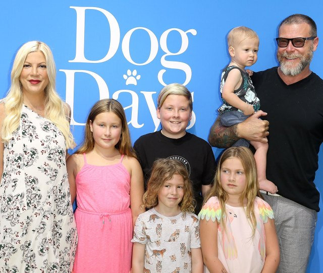Tori Spelling And Dean Mcdermott Arent Shutting Down The Possibility Of Having Another Kid I Can Do More