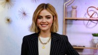 What's In My Bag - Lucy Hale