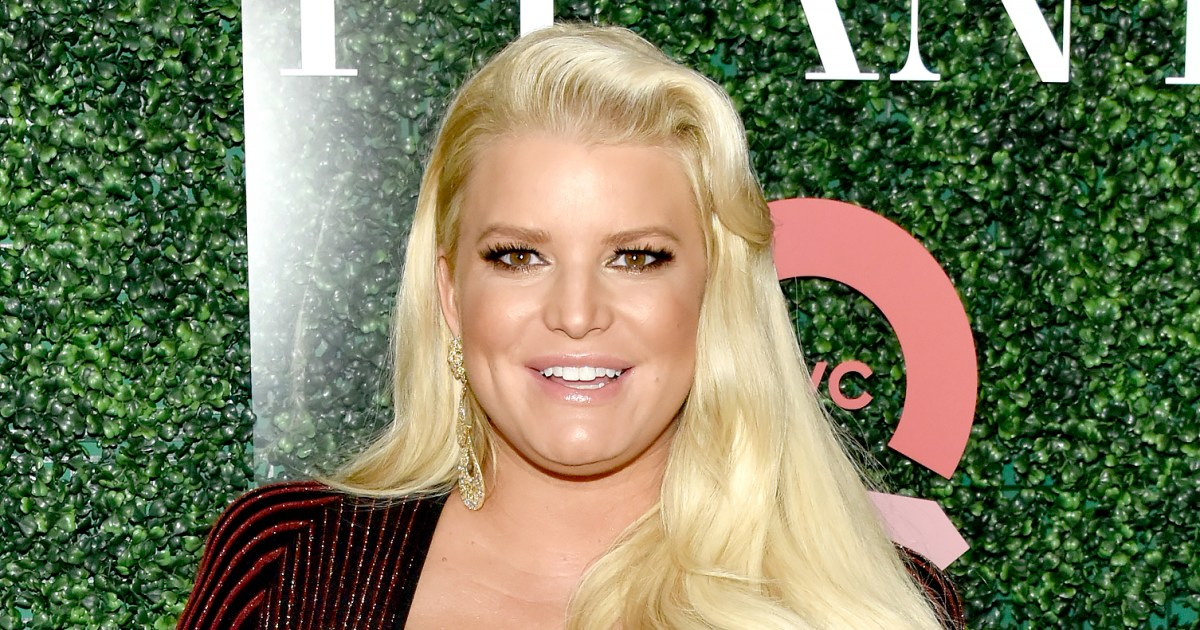 Jessica Simpson Jokes About Baby Bump as She Nears End of Pregnancy