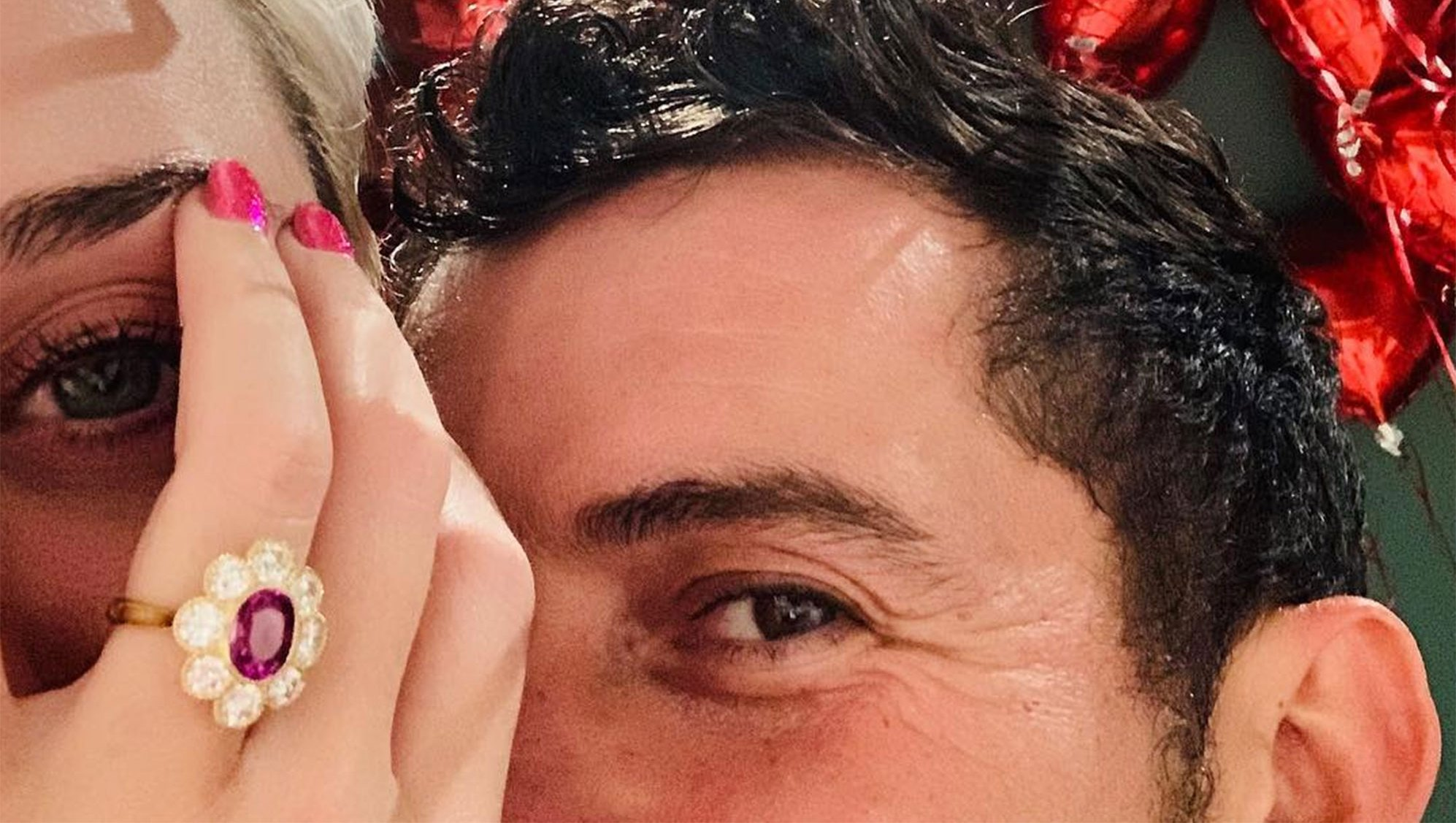 Katy Perry and Orlando Bloom Katy Perry¹s Dazzling Pink Engagement Ring: Everything We Know