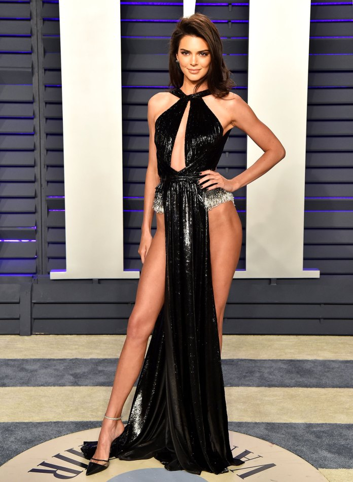 kendall jenner Stars Bring the Sizzling Nearly Naked Dress Trend to the Oscars