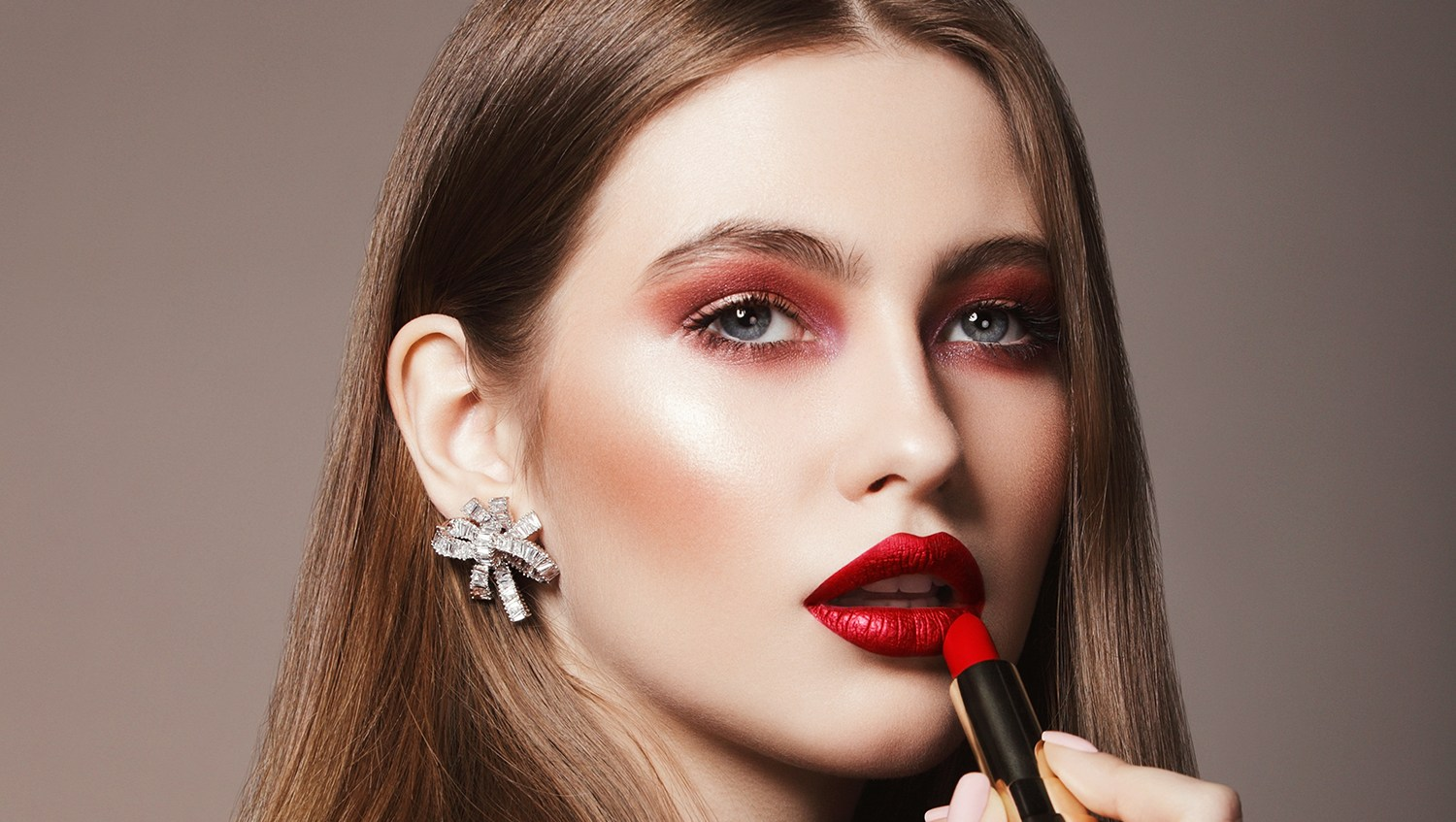 10 Long-Wearing Beauty Products to Up Your Date Night Confidence