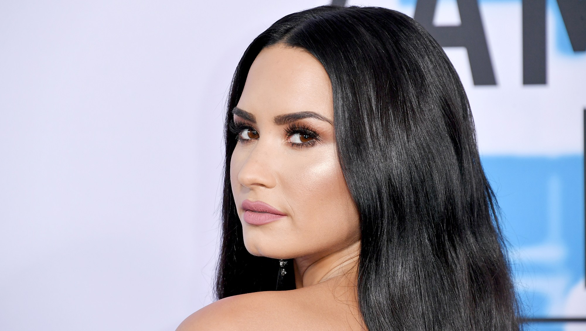 """Demi Lovato Calls Out Body-Shaming Headline: """"I Am More Than My Weight"""""""