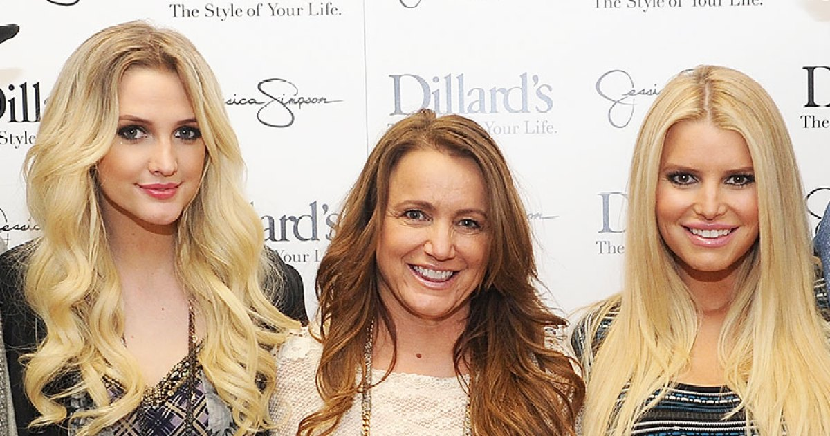 Jessica Simpson's Family Reacts After She Welcomes Daughter Birdie