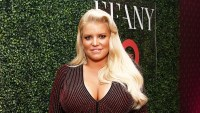 Jessica Simpson Shares First Photo of Newborn Daughter Birdie With Older Siblings