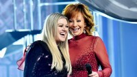 Kelly-Clarkson-and-Reba-McEntire