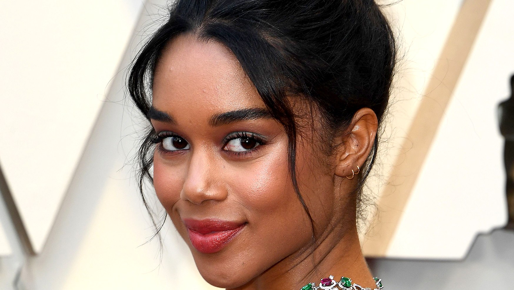Laura-Harrier-lipstick-oscars