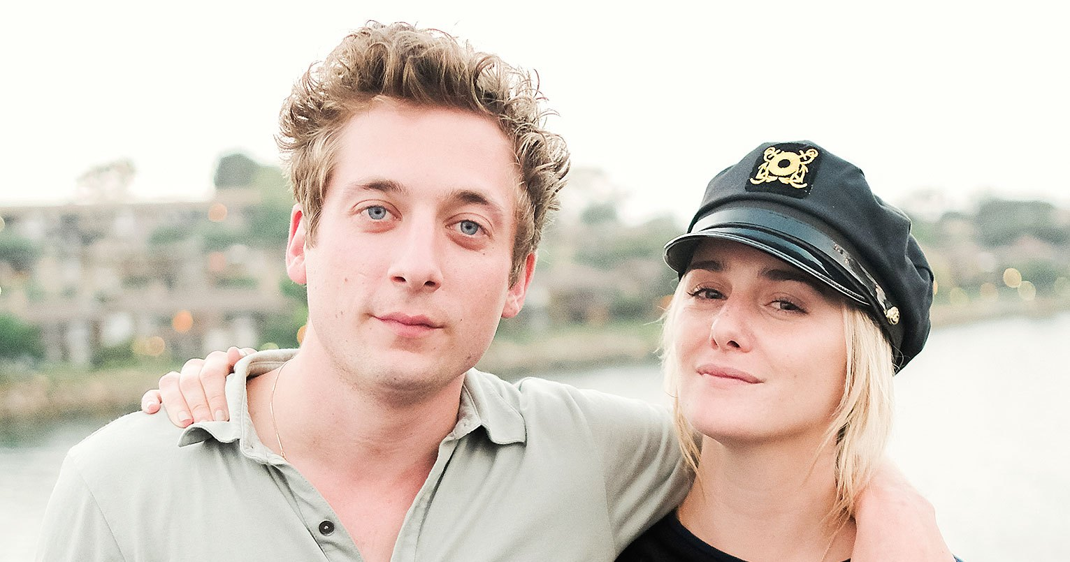 Jeremy Allen White's Girlfriend Adjusted 'A Lot Faster' to Parenthood