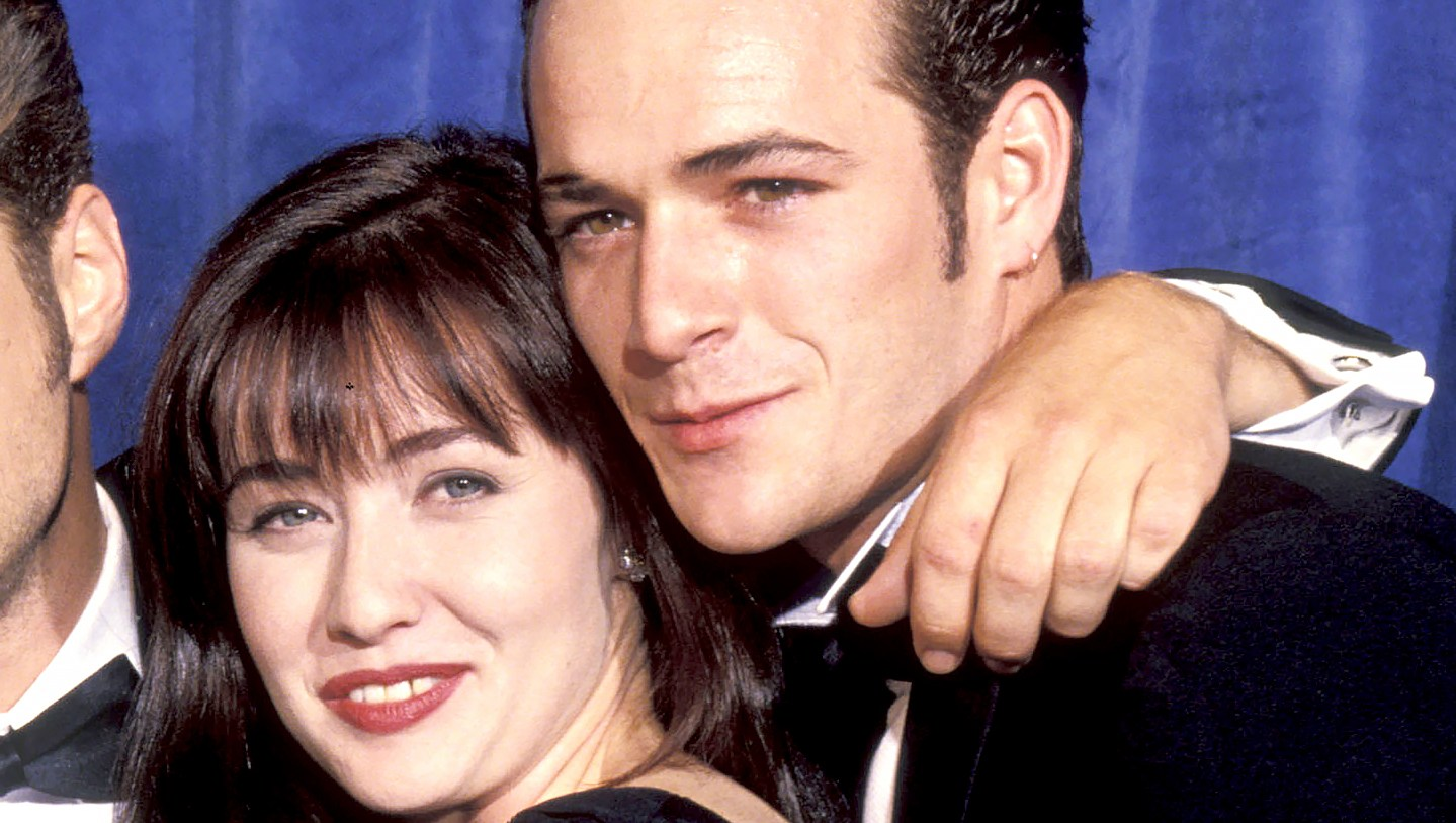 Shannen-Doherty-and-Luke-Perry-90210-reunion
