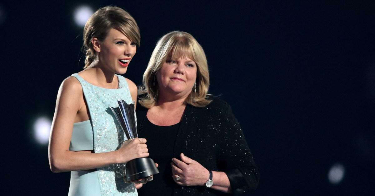 Taylor Swift's Mom Andrea is Battling Cancer Again