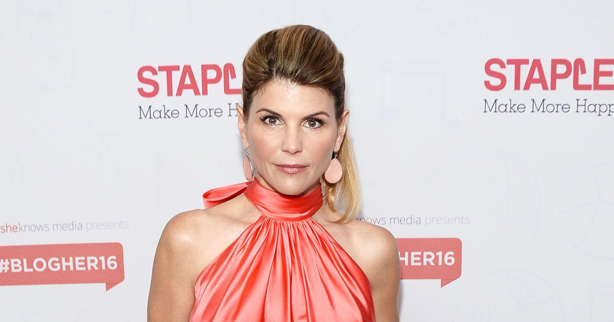26264501b6 'When Calls the Heart' Is 'Retooling' After Lori Loughlin Fired