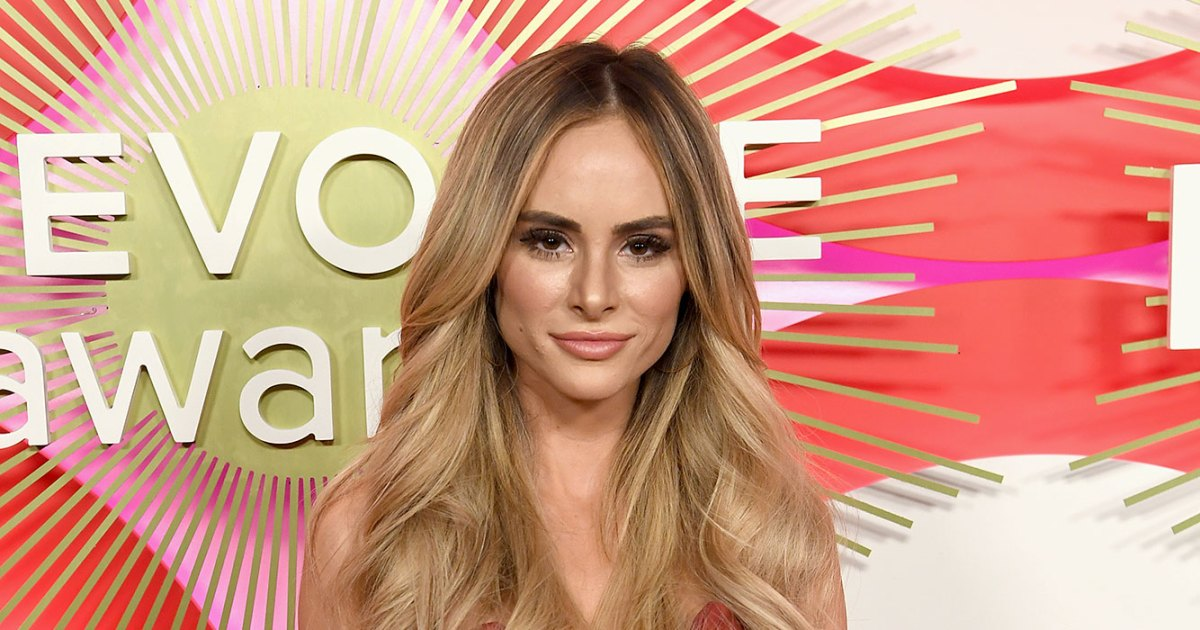 Amanda Stanton Shuts Down Troll Who Has 'No Mercy' After She's Blackmailed