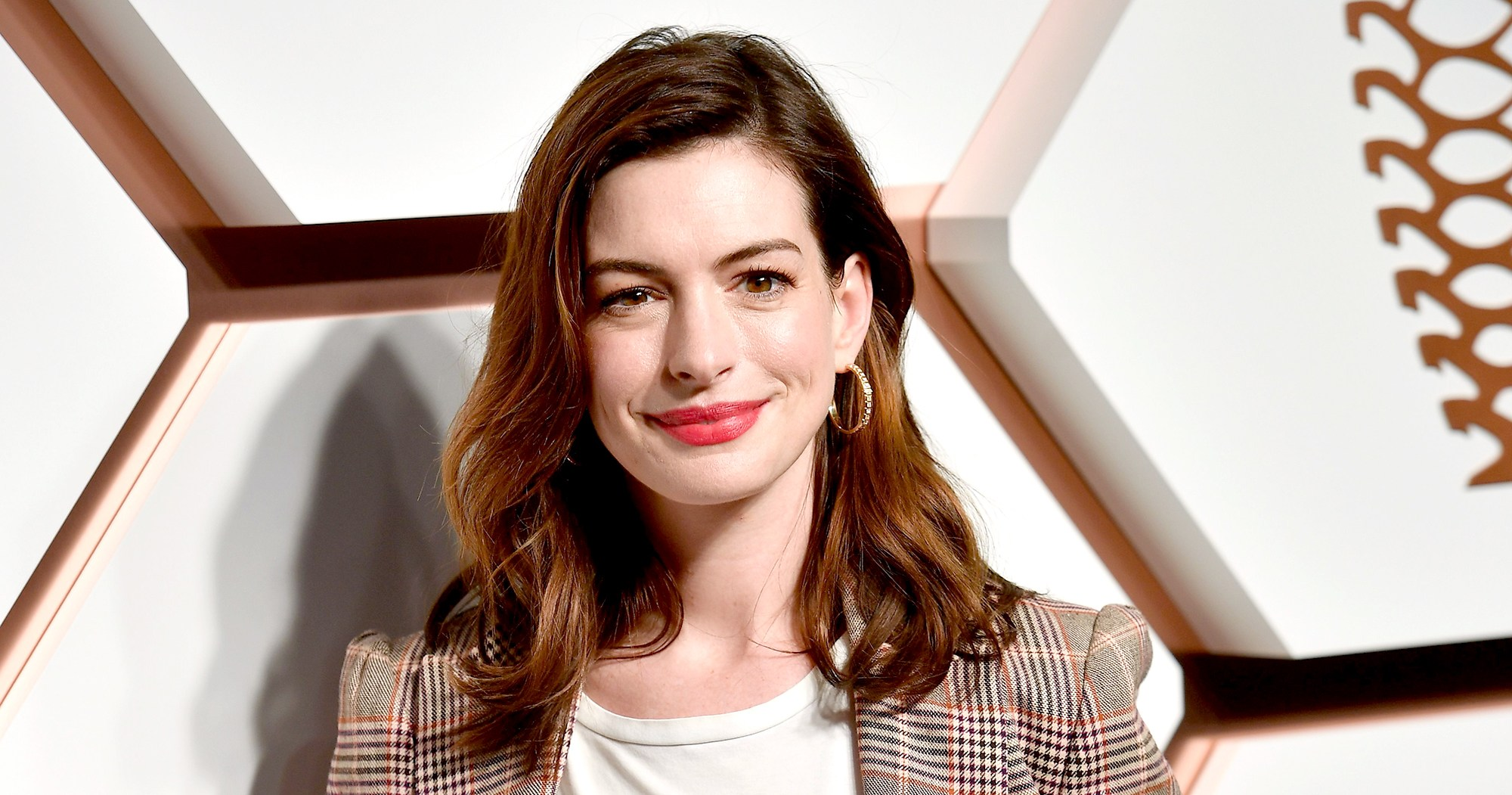 Anne Hathaway Clarifies Her Drinking Was Not 'a Problem'