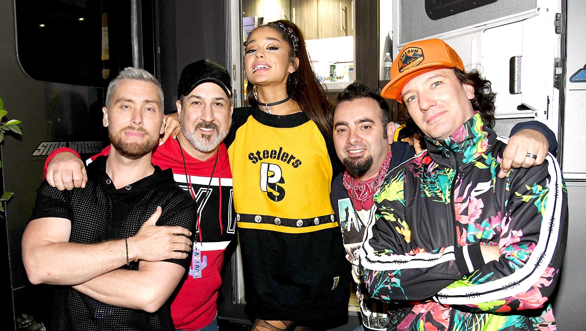Ariana-Grande-tribute-to-Mac-Miller-Coachella
