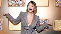 Chrissy-Teigen--Hamster-Summer-Body