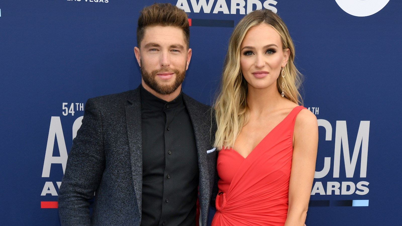 befeee3e2245 Chris Lane and Lauren Bushnell Kiss on the Red Carpet at the ACMs As He  Says He's 'Working On' a Proposal