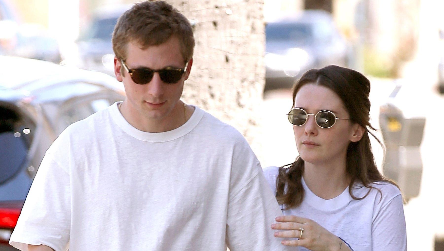 'Shameless' star Jeremy Allen White Is Engaged to Girlfriend Addison Timlin