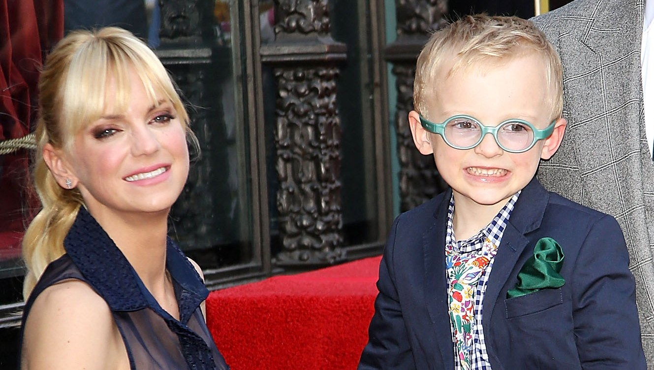 Anna Faris Says She Experiences Mom Guilt
