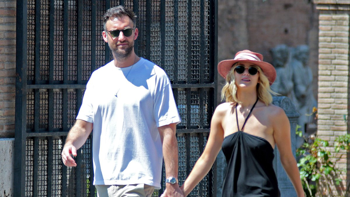 Jennifer Lawrence and Cooke Maroney Spark Marriage Speculation at NYC Courthouse
