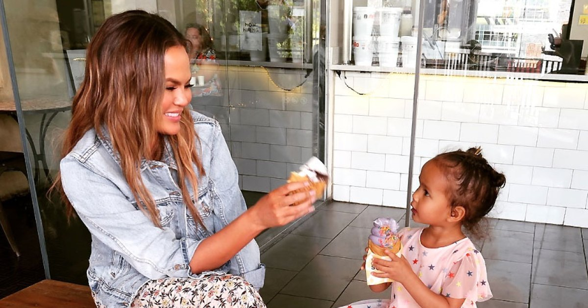 Chrissy Teigen Defends Painting Daughter Luna's Nails