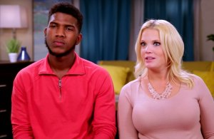 90 Day Fiance's Ashley Martson Says Jay Smith Refuses to Sign Divorce Papers
