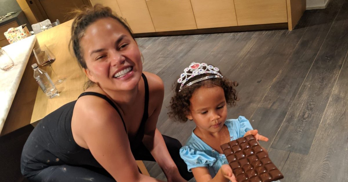 Chrissy Teigen John Legend Make Chocolates With Daughter Luna Photos