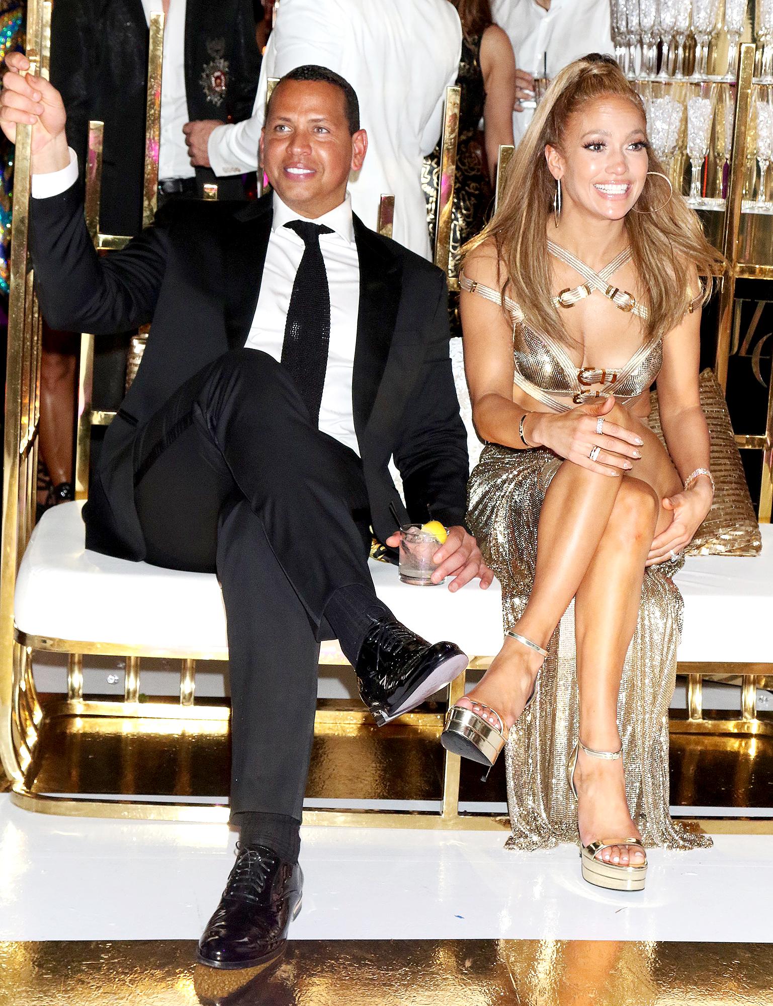 Inside Jennifer Lopez S Gold Themed 50th Birthday Party