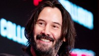 Keanu Reeves Leaves Heartwarming Note Fan Sign
