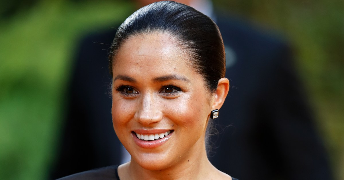 Duchess Meghan's Half-Brother Asks the Queen to Resolve ...