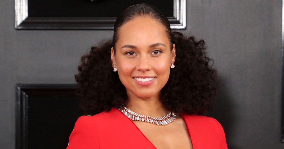 Alicia Keys Uses This Powerful Mask to Keep Her Complexion Blemish-Free