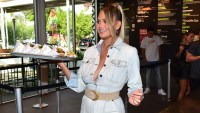 Chrissy Teigen Serves Burgers to Customers at L.A. Shake Shack