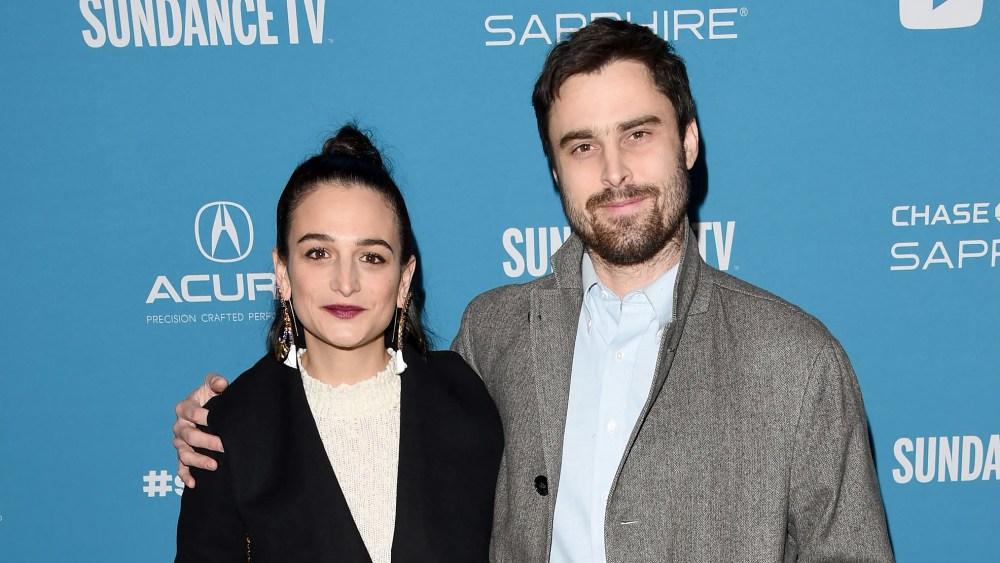 Jenny Slate and Boyfriend Ben Shattuck Are Engaged thumbnail