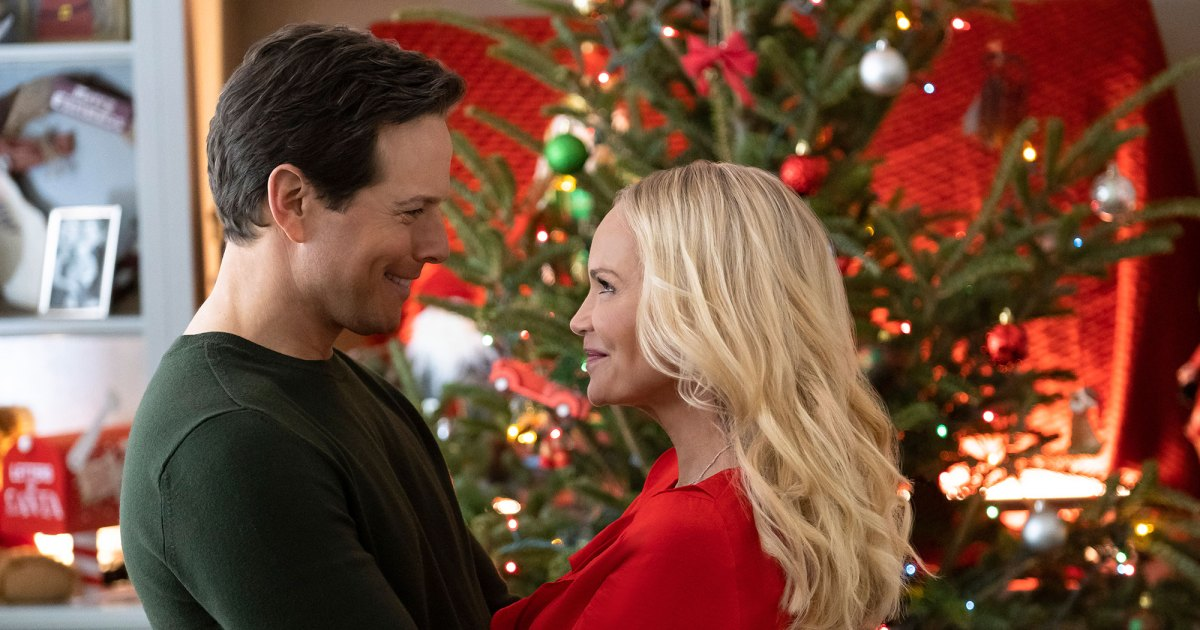 Hallmark Channel's Christmas Movie Lineup 2019: All 40 Premiere Dates Revealed