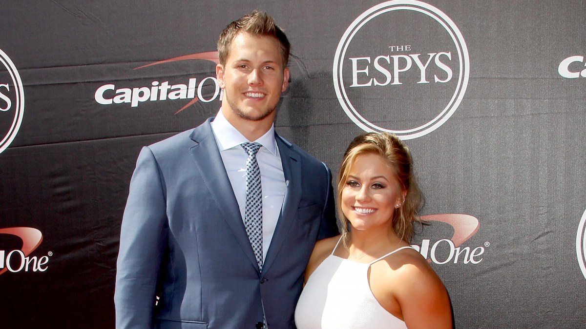Shawn Johnson Recalls Miscarriage As She and Andrew East Await Arrival of Their 'Rainbow Baby'