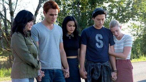 Riverdale Cast Reflect Retelling Our Own Grief Luke Perry Tribute