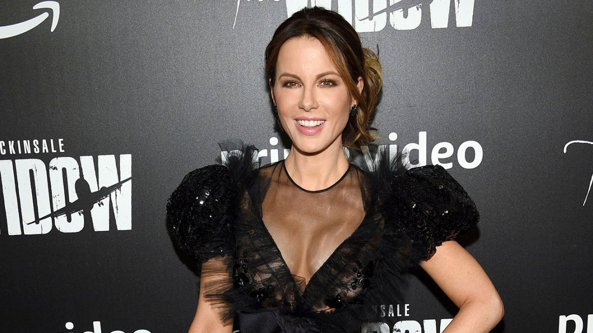 Kate Beckinsale Has Some Unusual Tiara Style Advice for Anyone With an Appendectomy Scar