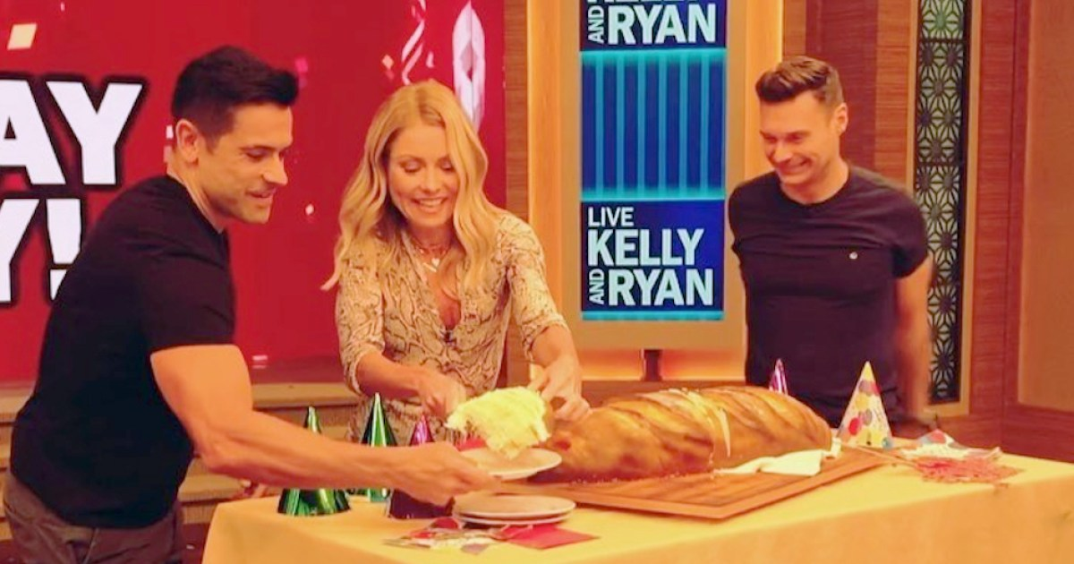 Kelly Ripa Celebrated Her 49th Birthday With Multiple Cakes: 'This Is Awesome'