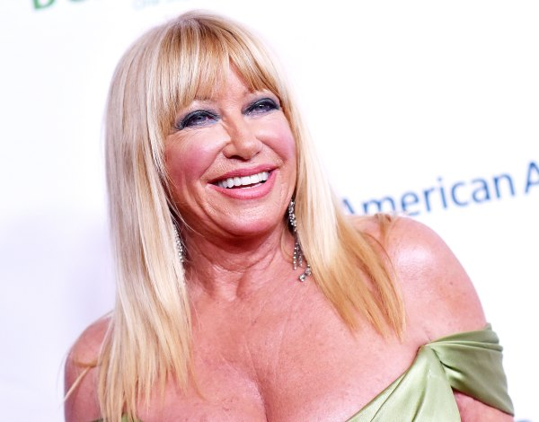 Suzanne Somers Goes Totally Nude in a Photo for Her 73rd Birthday!