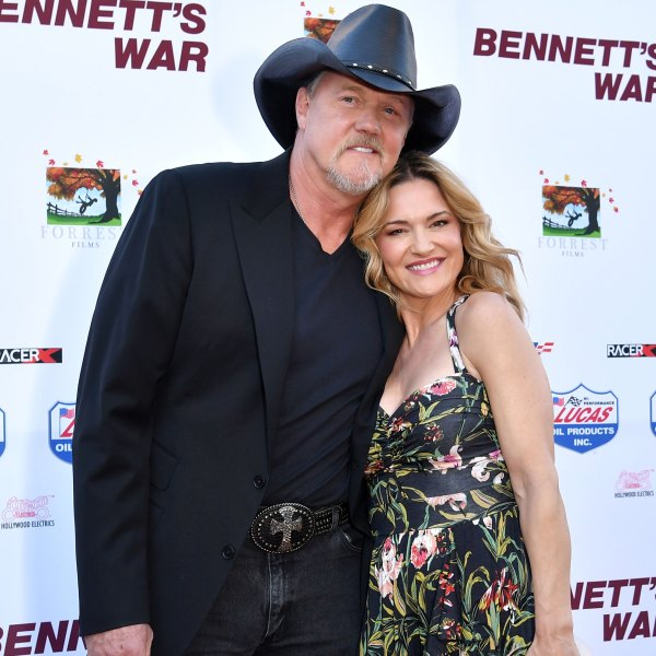 Trace Adkins Marries Victoria Pratt - and Blake Shelton Officiates!