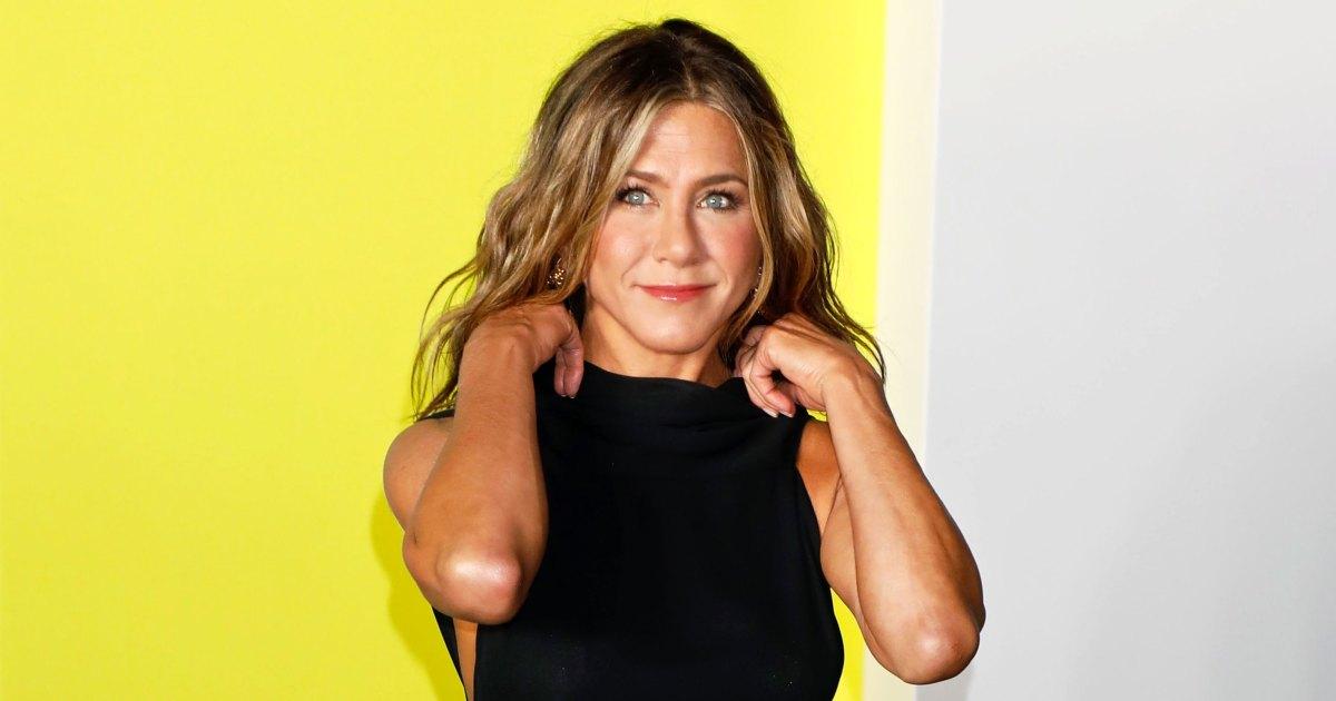 Jennifer Aniston People Are Already in My Panty Drawers So I Joined Instagram 01 - الناس في أدراجي الداخلية