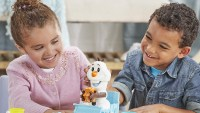 Play-Doh Featuring Disney Frozen Olaf's Sleigh Ride action shot