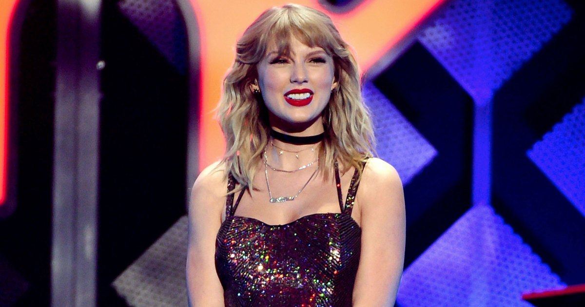 Taylor Swift Celebrates 30th B-Day With Cat Cake, Sweet Katy Perry Message
