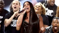 Demi-Lovato-National-Anthem-Superbowl