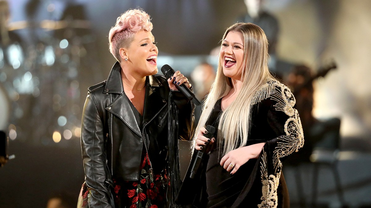 Kelly Clarkson Promises 'Teamwork' and Supports Pink's Plan to 'Age the Ol Fashioned Way'