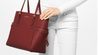 Michael Kors Voyager East West Crossgrain Leather Tote feat