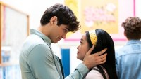 Jenny-Han-Teases-Epic-Love-Triangle-in-Sequel