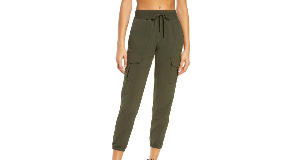 These Zella Cargo Pants Are the Secret to Traveling in Style This Spring